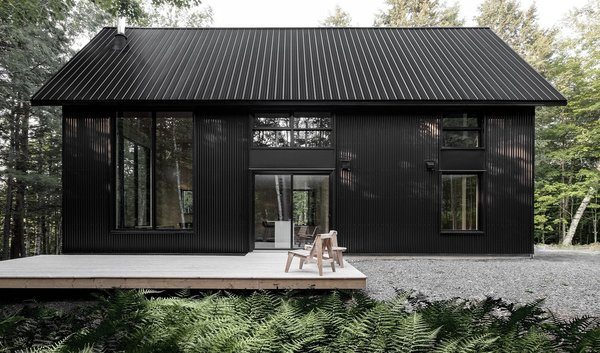 A Lofty Nature Retreat in Quebec Inspired by Nordic Architecture