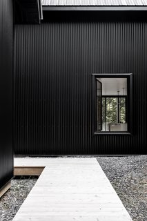 A Lofty Nature Retreat in Quebec Inspired by Nordic Architecture - Photo 3 of 16 -