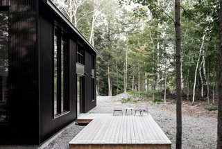 A Lofty Nature Retreat in Quebec Inspired by Nordic Architecture - Photo 9 of 16 -