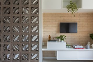 A 290-Square-Foot Apartment in São Paulo Takes Advantage of Every Inch - Photo 2 of 8 -