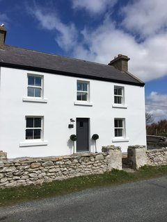 7 Vacation Rentals in Ireland That Put a Spin on the Classic Cottage - Photo 10 of 14 -