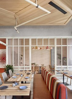 A Modern Mexican Restaurant in Austin Created by a Team of Locals - Photo 4 of 10 -