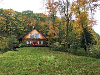 8 Outstanding Cabins For Rent in Canada - Photo 5 of 16 -
