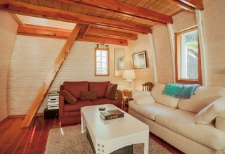 8 Outstanding Cabins For Rent in Canada - Photo 8 of 16 -