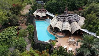 9 Vacation Rentals That Will Make You Want to Book a Flight to Hawaii - Photo 6 of 9 -