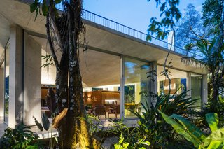 A Concrete Home in Brazil Lets the Owners Practically Live in the Jungle - Photo 3 of 12 -