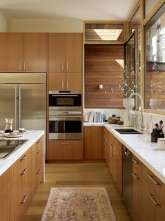 6 Integrated Appliances Sure to Make Your Kitchen Super Sleek - Photo 1 of 6 -