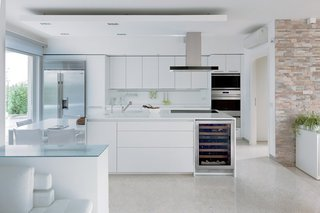6 Integrated Appliances Sure to Make Your Kitchen Super Sleek - Photo 2 of 6 -