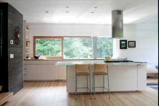 6 Integrated Appliances Sure to Make Your Kitchen Super Sleek - Photo 3 of 6 -