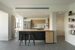 Graphic Design Guides an Apartment Renovation in Tel Aviv - Photo 7 of 14 -