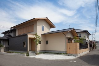 A Super-Insulated Home in Japan Brings Comfort to an Elderly Couple - Photo 3 of 14 -
