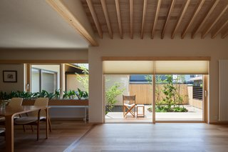 A Super-Insulated Home in Japan Brings Comfort to an Elderly Couple - Photo 6 of 14 -