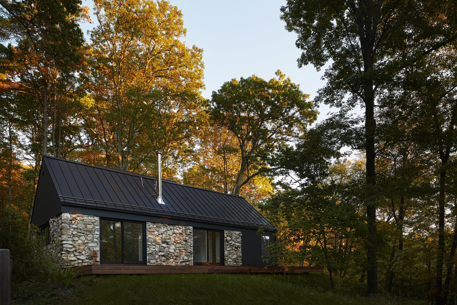 A Minimalist Retreat Rises From Old Stone Walls In Hudson