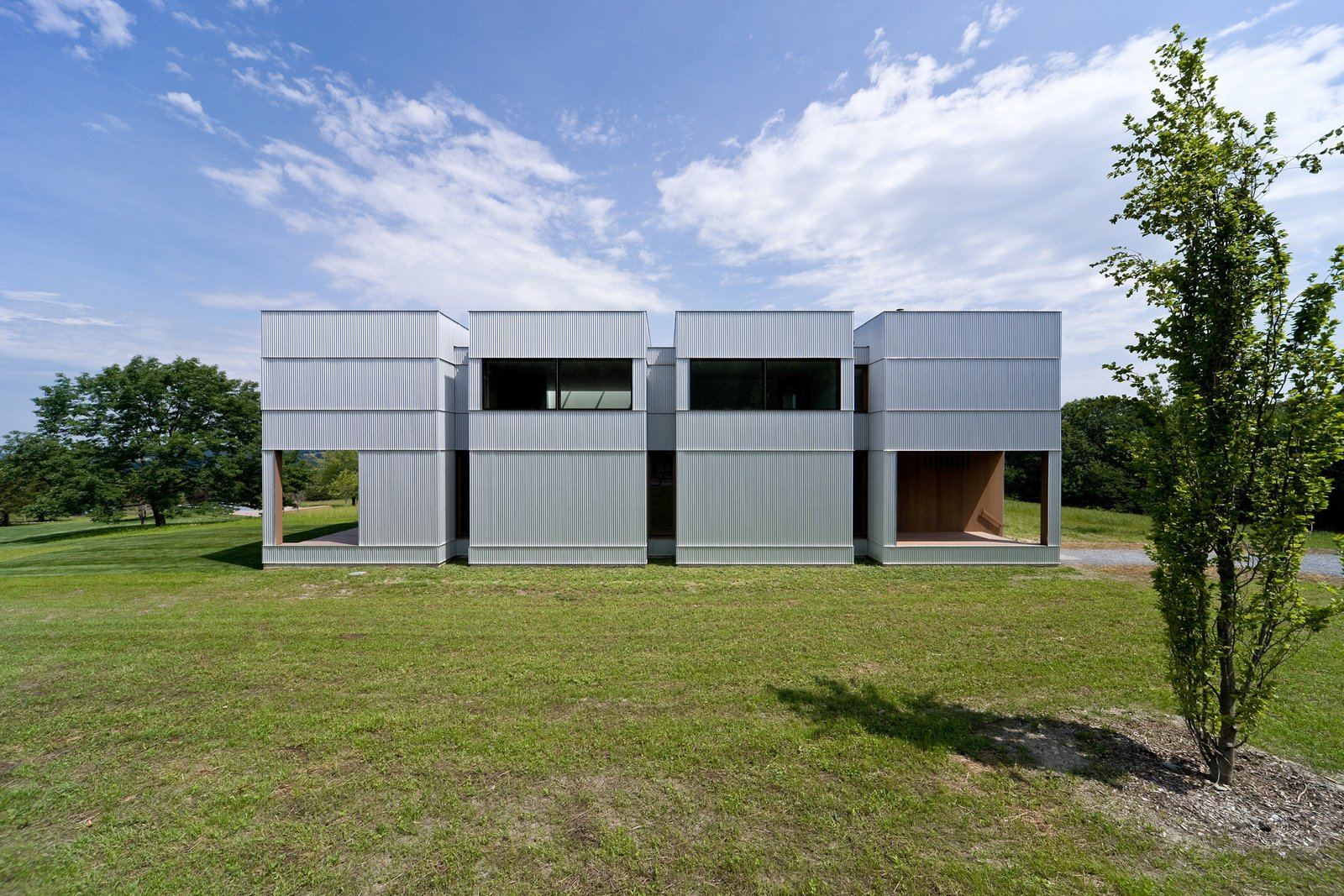 Ai Weiwei and HHF Architects Create a Rural Retreat For Two Art Collectors