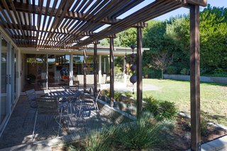 An Immaculate Midcentury Abode in San Diego Asks $1.55M - Photo 12 of 12 -