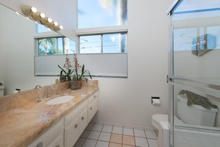 An Immaculate Midcentury Abode in San Diego Asks $1.55M - Photo 10 of 12 -