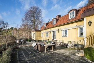 Greta Garbo's Swedish Island Villa Is Up For Sale - Photo 4 of 21 -