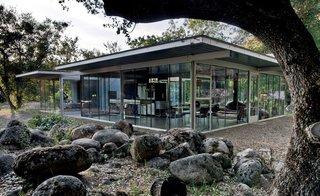 8 Glass Houses You Can Rent Right Now - Photo 7 of 8 - A house of glass in Tulare County, California