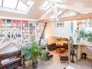 Live Large in These 10 Loft-Style Vacation Rentals - Photo 8 of 10 - With five bedrooms, this delightful loft apartment can sleep up to 11 guests.