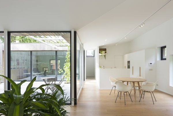 The courtyard connects to all the zones in the house.