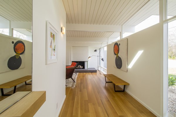 The floors of the common areas were fitted in white oak.