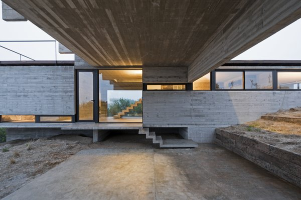 The varied heights of the volumes create interesting interior perspectives.