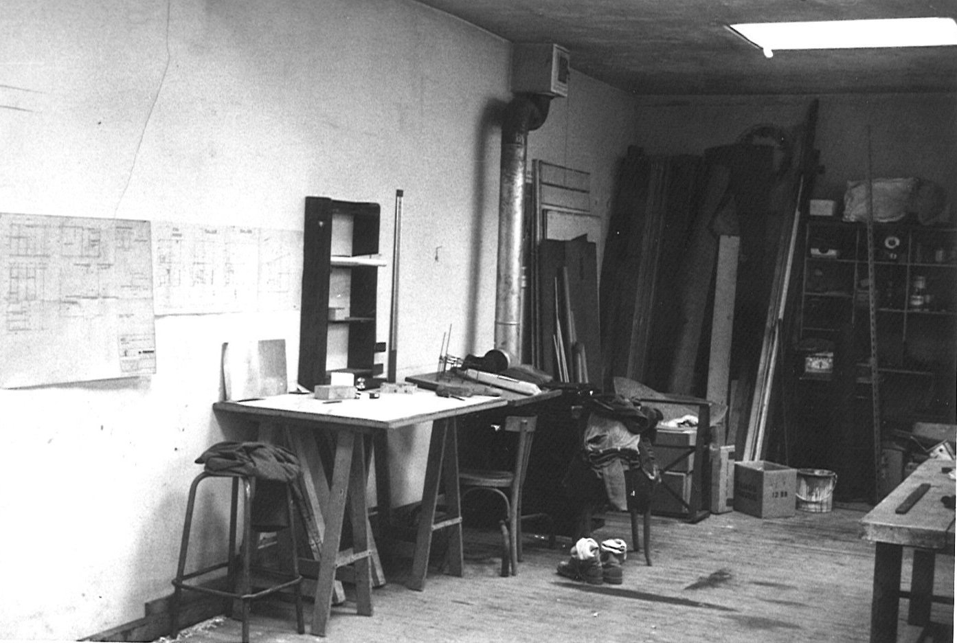 The space served as French painter Pierre Lemaire's workshop in the 1970s.