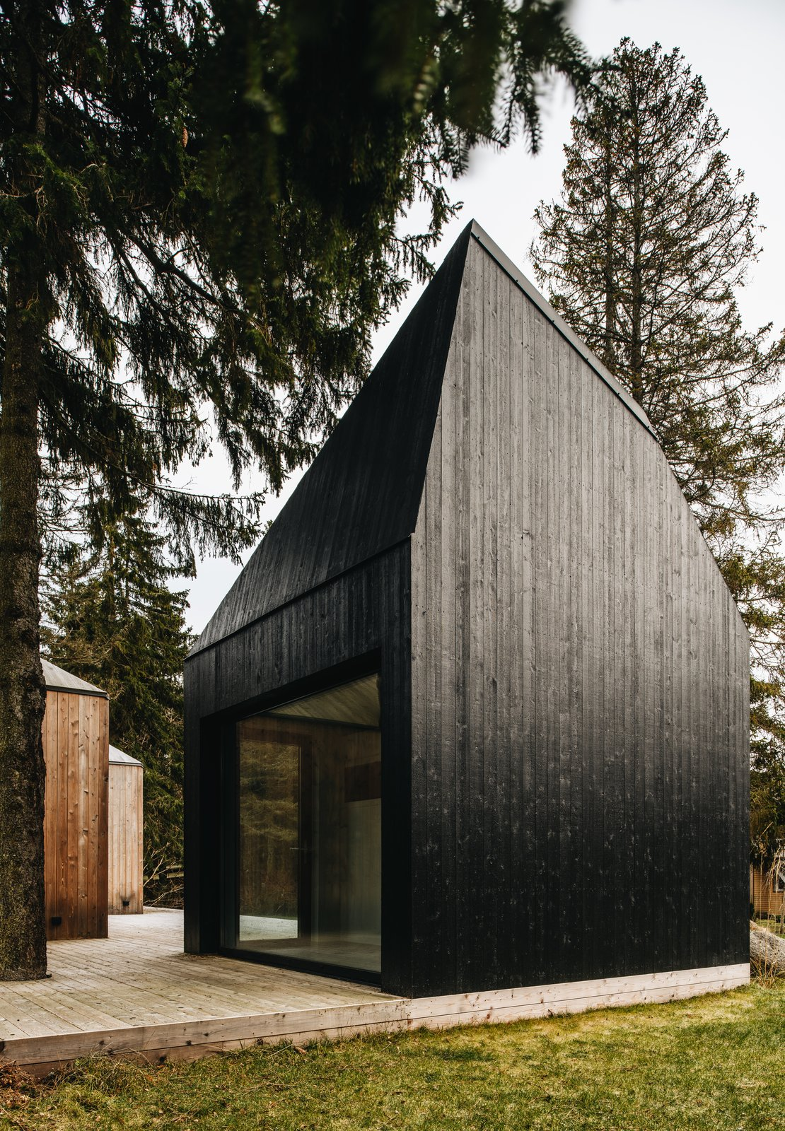 The cabin where the sauna is located was painted in black tar.