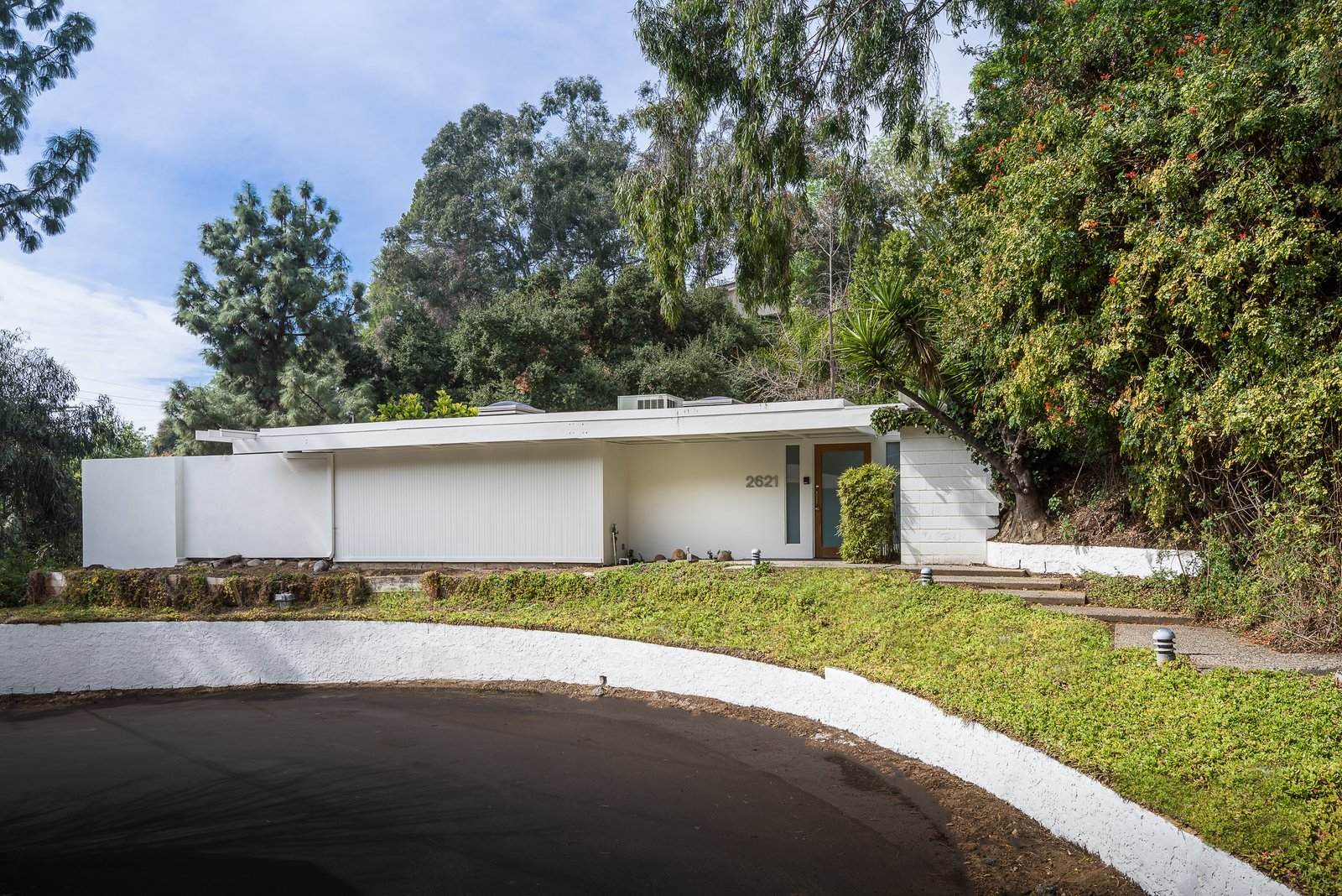 This house on La Cuesta Drive is located near Runyon Canyon Hiking Trails.