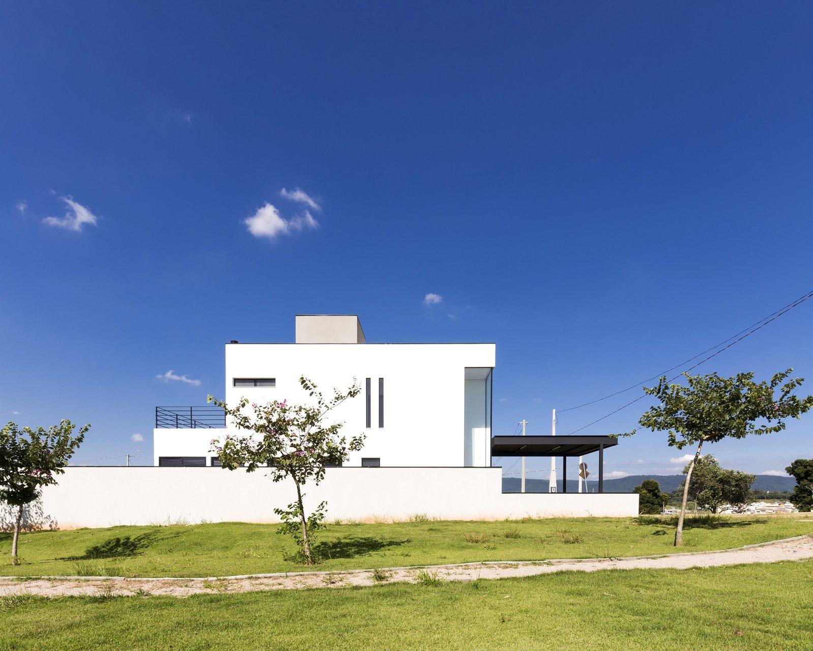 SG House by Taguá Arquitetura+Design