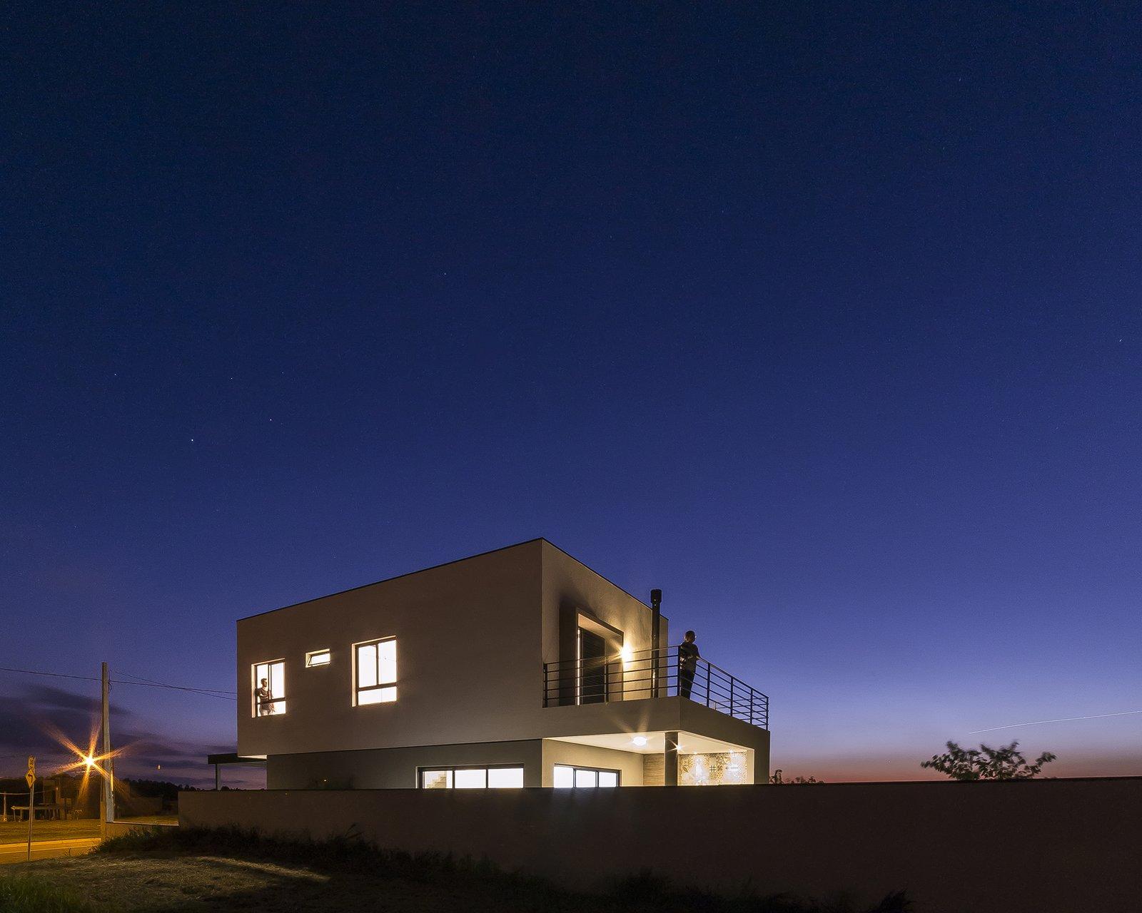 lighting  SG House by Taguá Arquitetura+Design