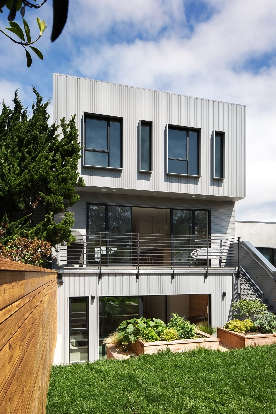 Rear facade Tagged: Exterior, House, and Flat RoofLine.  27th Street - Noe Valley by patrick perez/designpad architecture