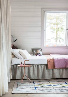 Time to update your boudoir: styling tips for the bedroom - Photo 2 of 3 -