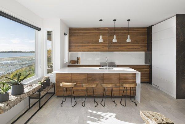 Photo 4 of r3R modern home