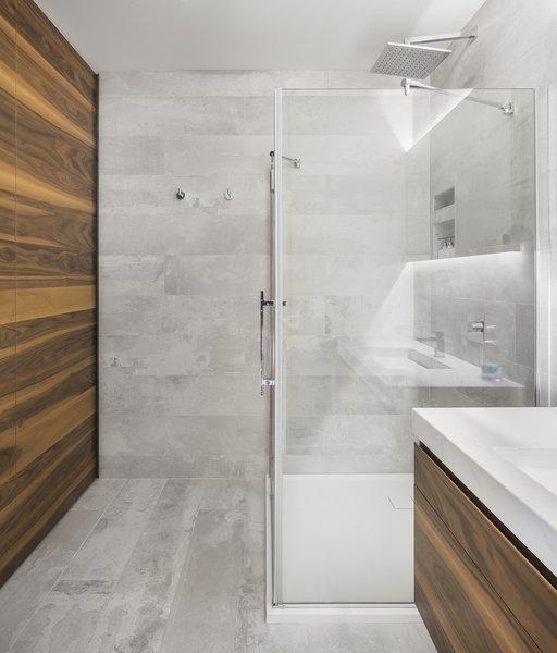 Photo 5 of r3R modern home