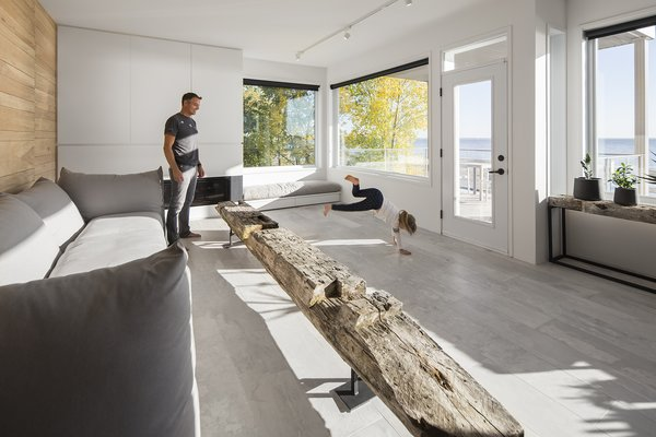 Photo 6 of r3R modern home