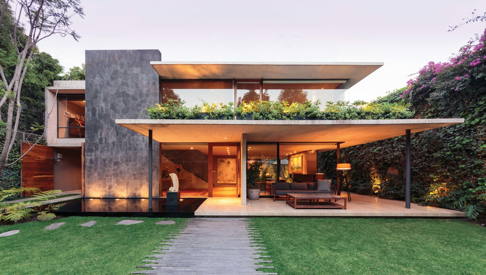 SIERRA FRIA Tagged: Exterior, House, and Flat RoofLine.  Sierra Fria by Jose Juan Rivera Rio