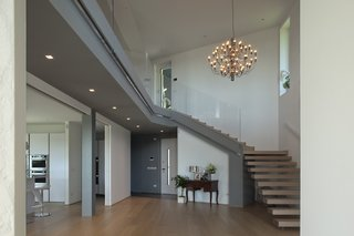 Villa on the hills near Udine   iarchitects - Photo 5 of 5 - the double height of the entrance