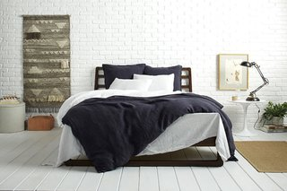 Coal Linen: Behind the Design + Styling Tips - Photo 3 of 3 - Make your Bedding pop with White and Coal Linen; Source: Nicole LaMotte/Parachute