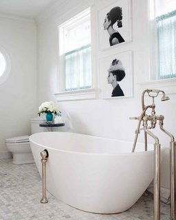 How to Prepare Your Bathroom for Overnight Guests - Photo 5 of 8 - Fresh blooms and a fancy toothbrush will make your guests feel welcome; Source: Anna Hepfer Designs