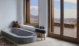 9 Beautiful Bathtubs - Photo 3 of 9 - Source: Erieta Attali/Block 722