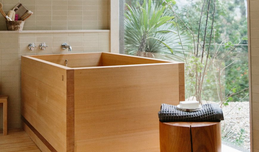 Source: Nicki Sebastian/Rip and Tan Tagged: Bath Room, Soaking Tub, and Freestanding Tub.  Photo 7 of 10 in 9 Beautiful Bathtubs
