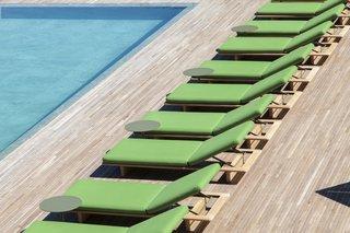 A Modern Lake Como Retreat Designed by Patricia Urquiola - Photo 11 of 11 -