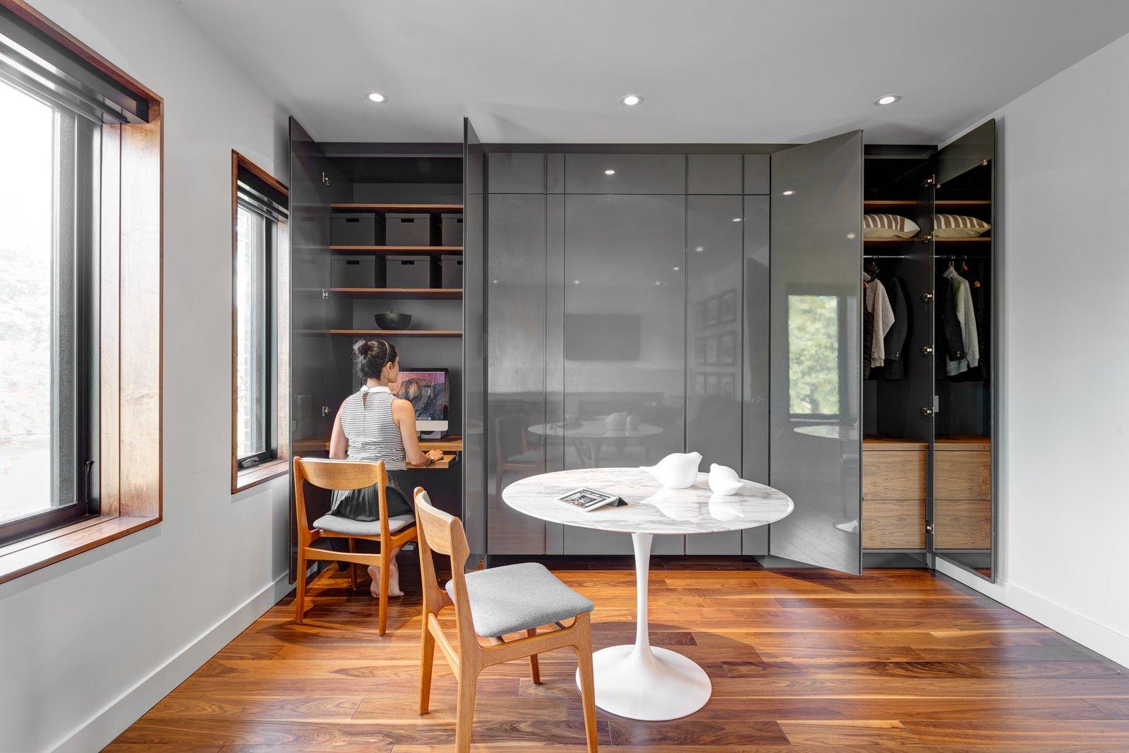 Riverdale Dormer House by Sanam Samanian