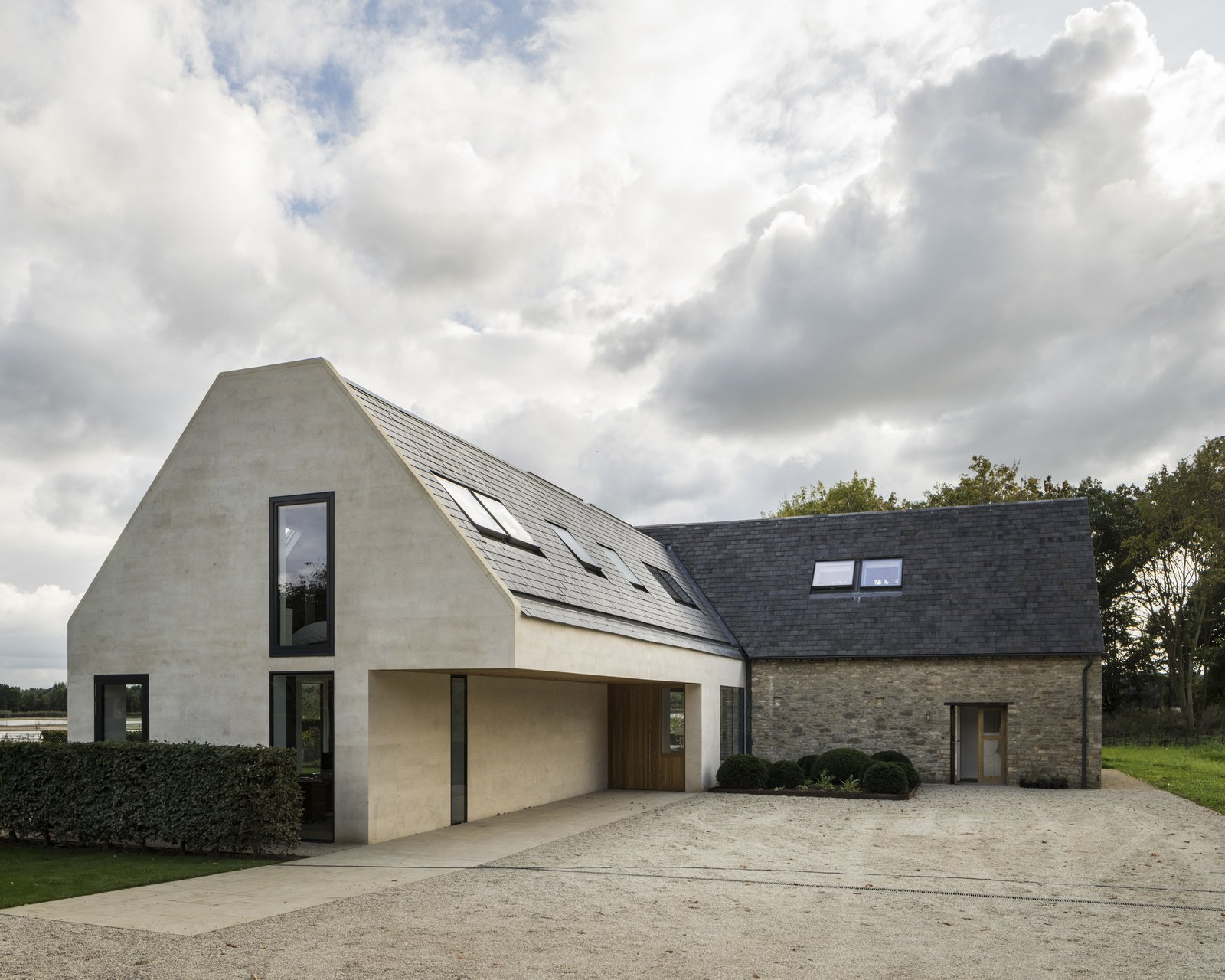 Architect: Waind Gohil + Potter Architects Photography: Anthony Coleman  The Old Barn Worton Farm by Webb Yates Engineers