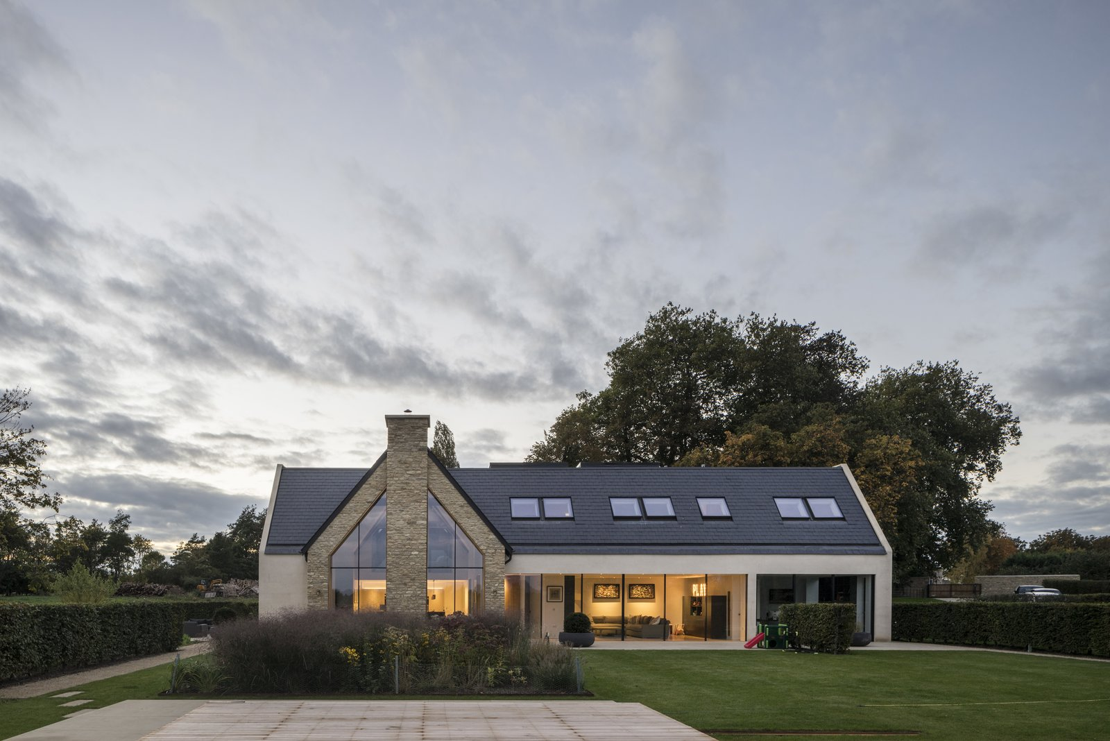 Architect: Waind Gohil + Potter Architects Photography: Anthony Coleman  The Old Barn Worton Farm by Webb Yates Engineers