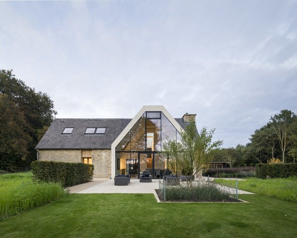 Architect: Waind Gohil + Potter Architects Photography: Anthony Coleman Photo 4 of The Old Barn Worton Farm modern home