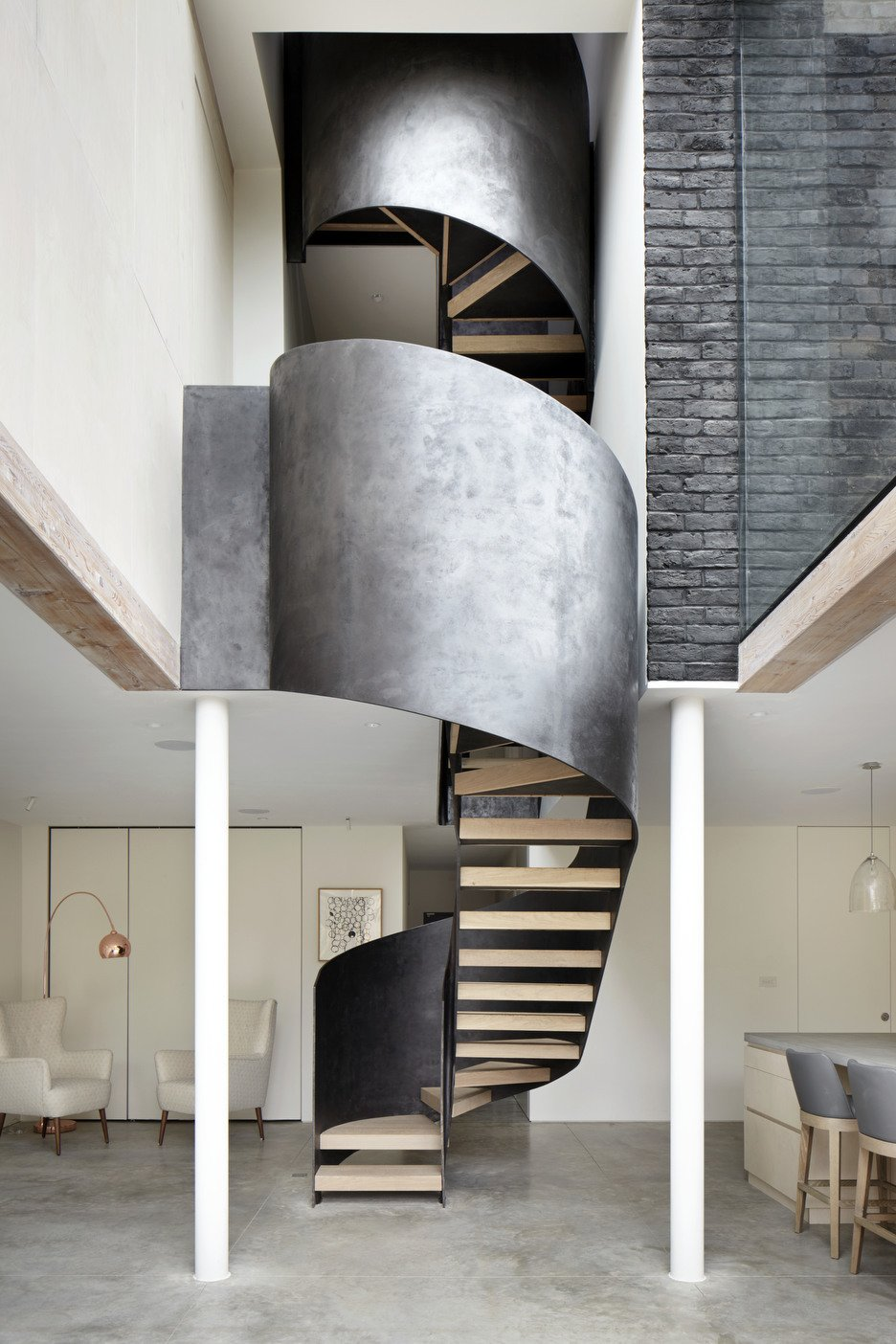 Architect: Cousins & Cousins Architects Contractor: Romark Projects Ltd Photography: Jack Hobhouse