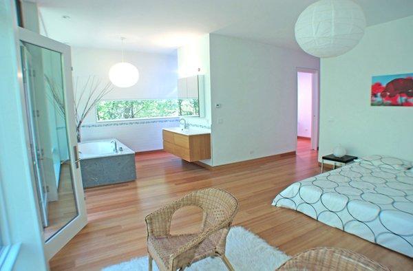 Photo 17 of Glassrock House modern home