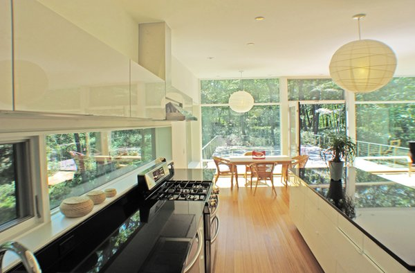Photo 10 of Glassrock House modern home